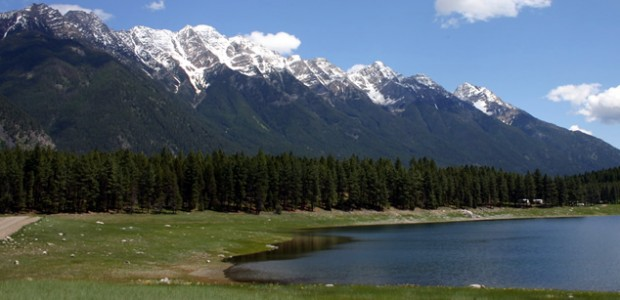 Camping on Horseshoe Lake Cranbrook, British Columbia, Canada is situated in a river valley surrounded by lakes and mountain ranges like the Purcell Mountains to the west and the Rocky […]