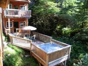 ucluelet-resort-terrace-beach